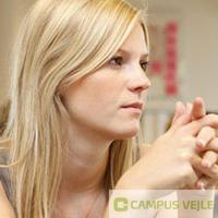 Hør mere om dit højskoleophold hos Højskolernes Hus