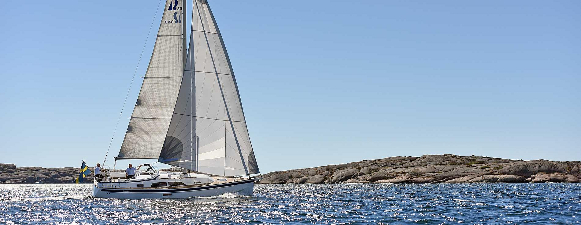 Hallberg-Rassy 340 in the Swedish archipelago