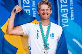 Jesper STåhlheim på prispallen när han vann Tokyo Test event 2019.